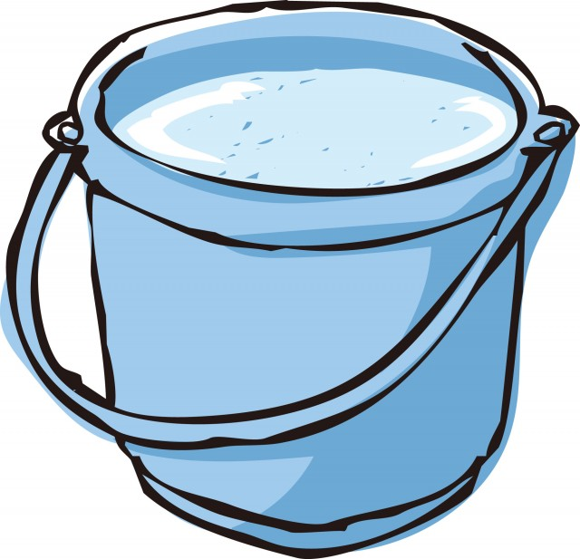簡単に浴槽のつまりを取る方法7選:熱湯とバケツ