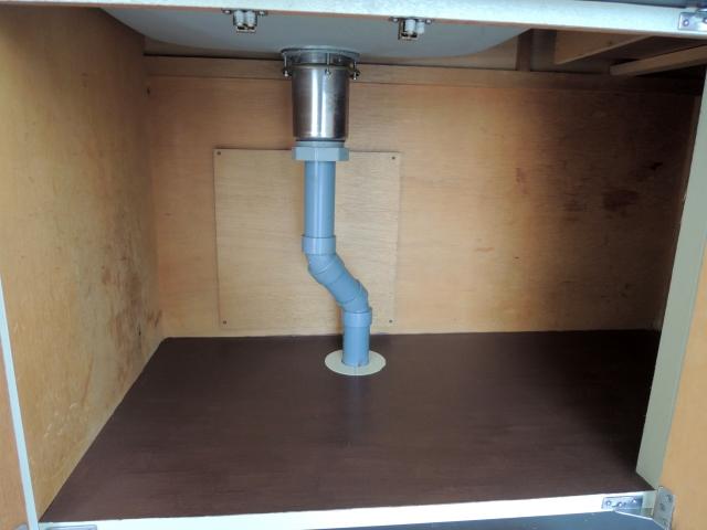 排水の異臭・悪臭4つの原因と解決策その3:排水管内部の汚れ