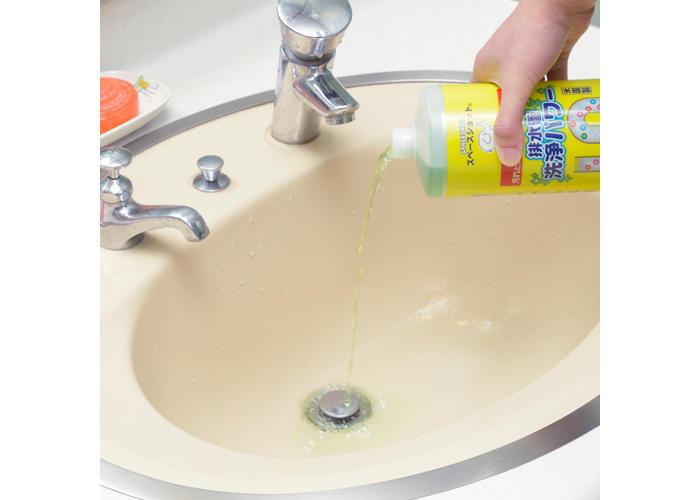 簡単な排水管洗浄方法その3:市販のパイプクリーナーの洗浄効果を高めて使う