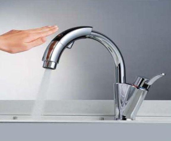蛇口・水栓のレバーハンドルの種類:タッチレスセンサー
