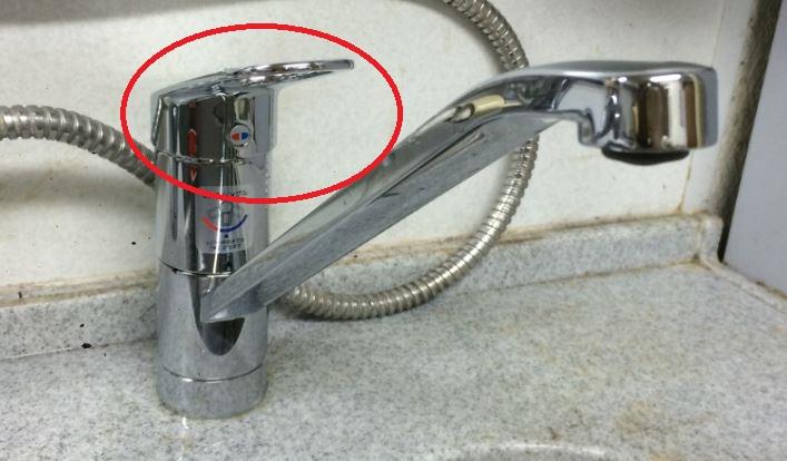 キッチン蛇口の水漏れ箇所5パターンと原因:レバー、ハンドルの付け根