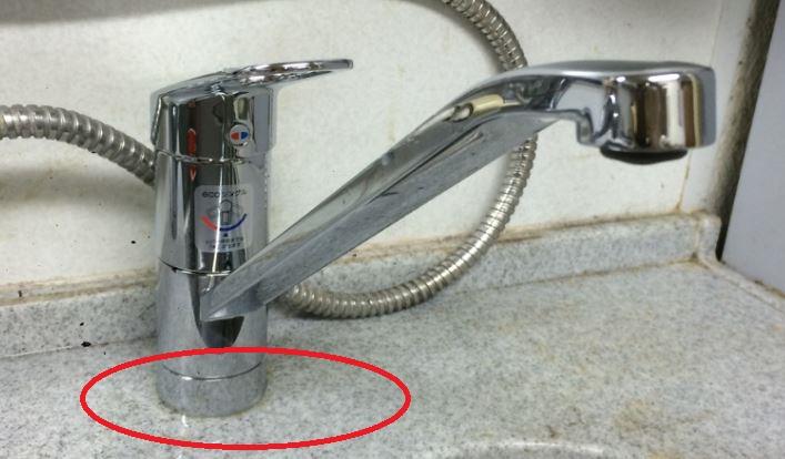 キッチン蛇口の水漏れ箇所5パターンと原因:蛇口の付け根