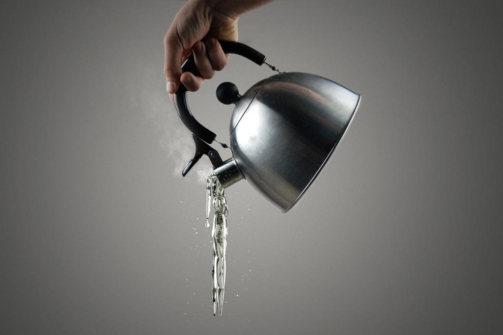 トイレのつまりを直す時にお湯を使う際の注意点!:お湯の沸かし方